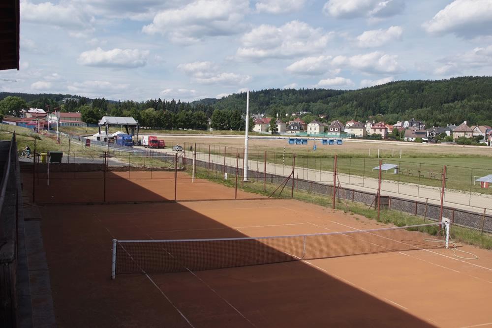 Tenisové kurty Lokomotiva